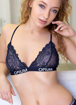 Бюстгальтер Opium B-20