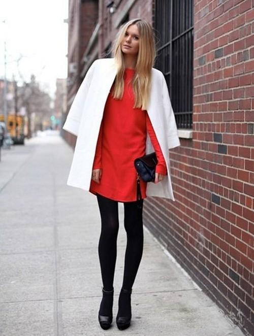 черные колготки под красное платье